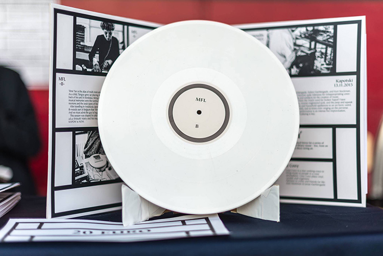 Topo Copy Cosy Cozy Musical Library Experiences People Of Print